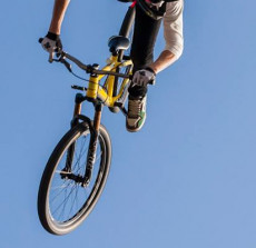 foto_Andeas-Lind_bike_Adrian_Tell_01